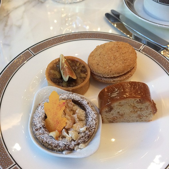 Afternoon Tea - Desserts @ The Langham Chicago