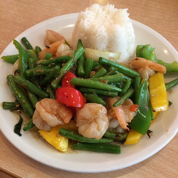 Vegetable Curry With Shrimps @ Thai Isaan Kitchen