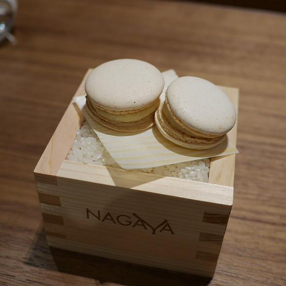 sake macaron @ Yoshi