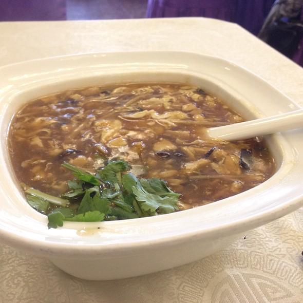 Hot & Sour Soup @ Tong He Ju