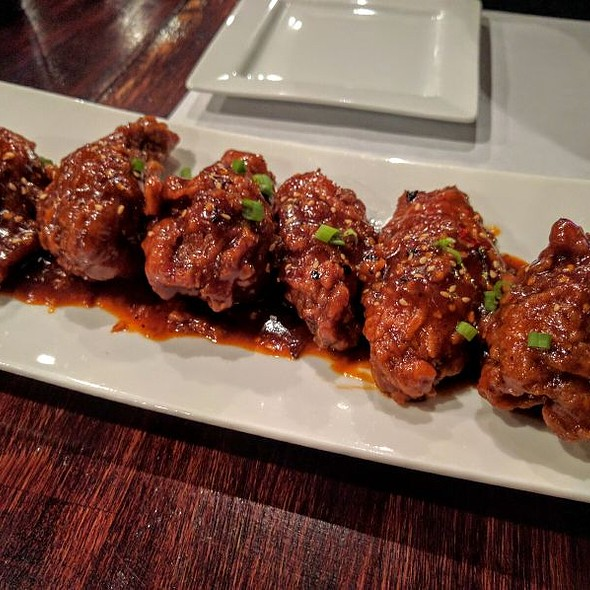 Korean Spicy Wings @ Sweet Rice