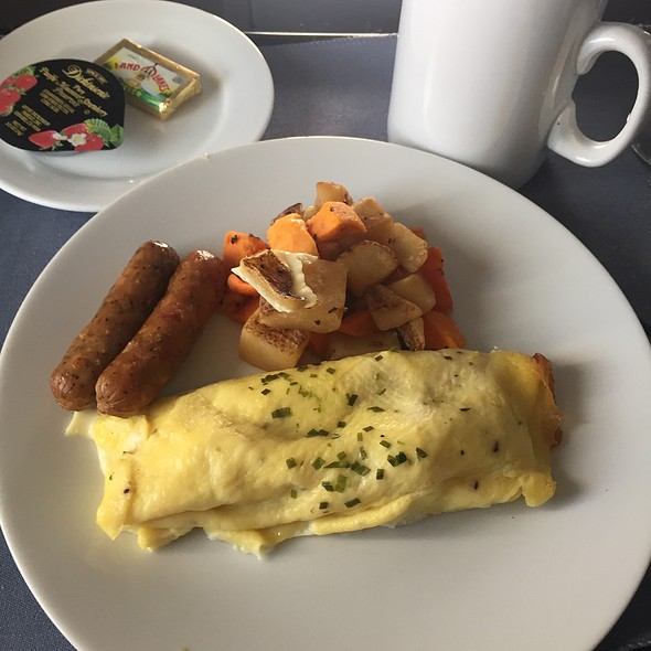 Traditional Egg Omelet @ United Airline In-Flight Meal