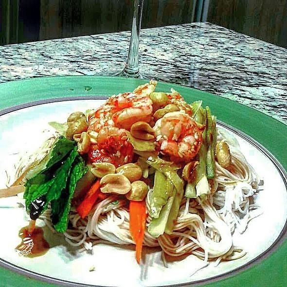 Thai Salad @ Urbanización Versalles