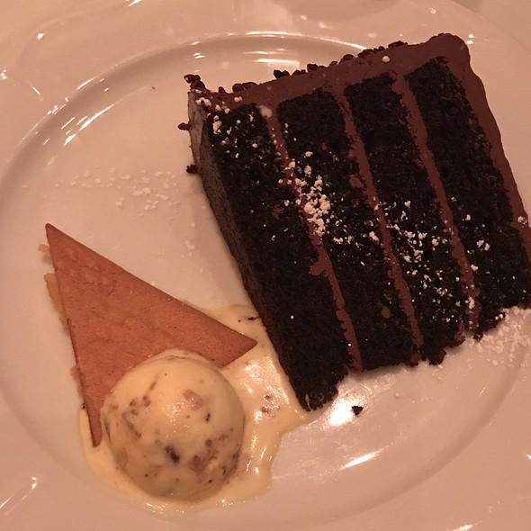 Black Velvet Cake @ Beatrice & Woodsley