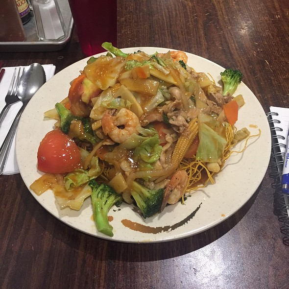 Mì Xào Dòn @ Tú Lan Restaurant