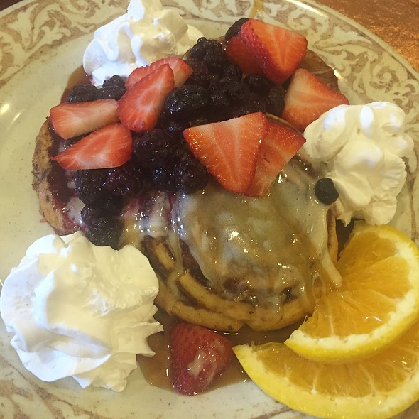 Cinnamon Roll French Toast @ Another Broken Egg