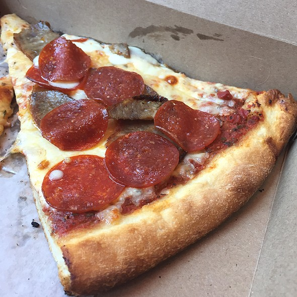 Sausage & Pepperoni Pizza