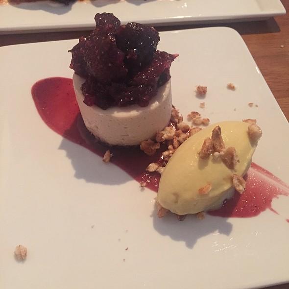 Vegan Figgy Cheesecake