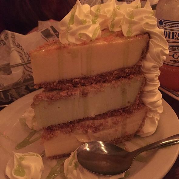 Key Lime Pie @ Flounder's Chowder House