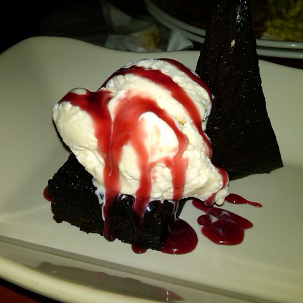 Brownie Deelite @ Tony Roma's