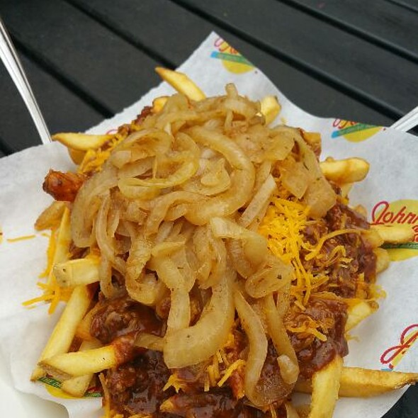 Chili Cheese Fries @ Johnny Rockets
