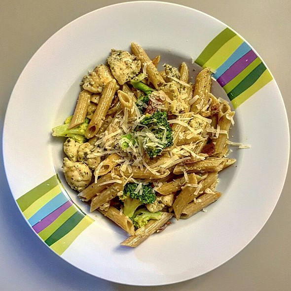 Chicken and Bacon Pasta @ Dharma's Kitchen