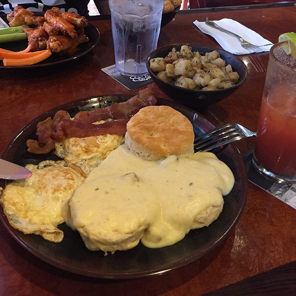 Biscuits & Gravy With Fried Eggs & Breakfast Potatoes @ Roundin 3Rd