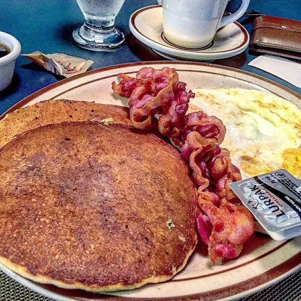 Breakfast @ Hotel El Ejecutivo