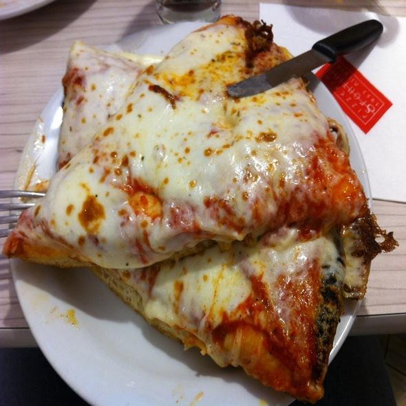 Pizza Margherita @ Spontini