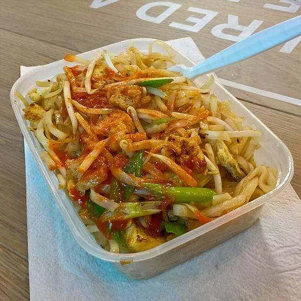 Tofu Pad Thai @ Fab Thai Cuisine