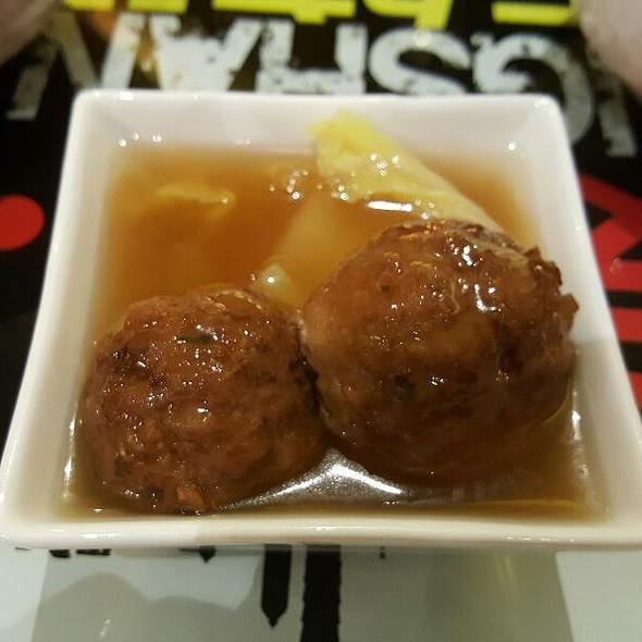 Lion's Head Meatballs @ Eat at Taipei