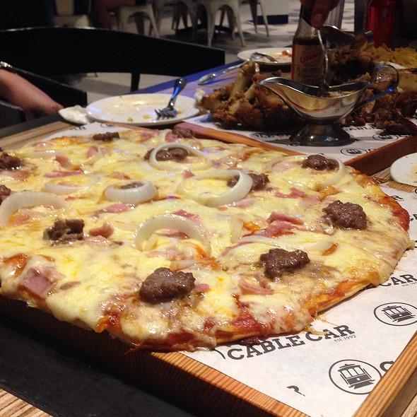 Pizza @ Cable Car Sapphire Bloc
