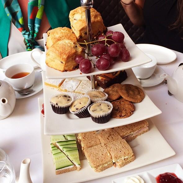 Afternoon Tea Set @ The Rotunda (Neiman Marcus)