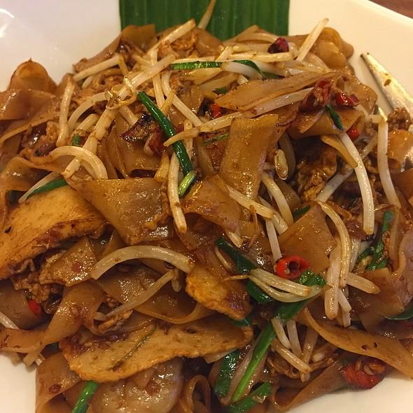 Char Kwey Teow @ Banana Leaf Sm Aura
