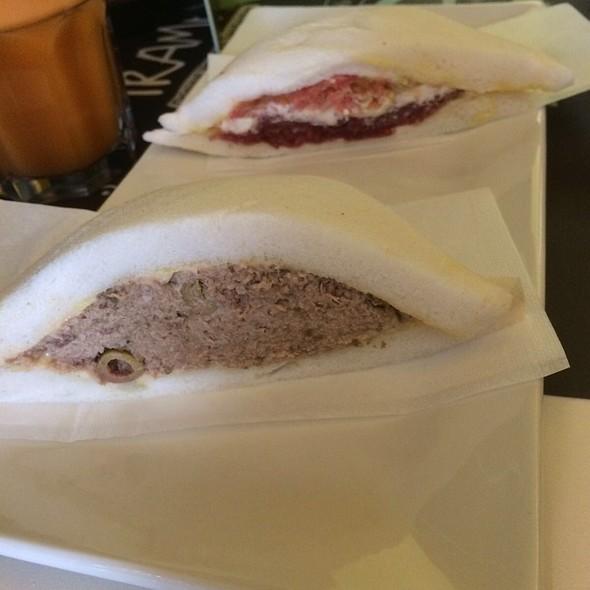Olive E Tonno Sandwich