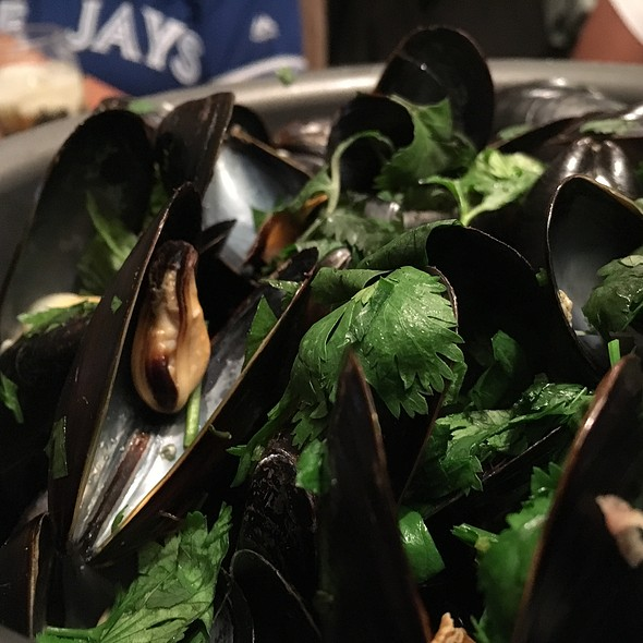 Newfoundland Mussels @ Diana Seafood Market