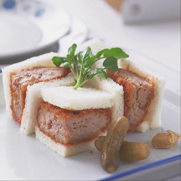 Cutlet Pork Chop Sandwiches