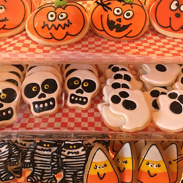 Halloween Cookies @ Saratori's Pastry Shop