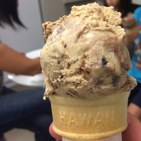 Kona Mud Pie Ice Cream @ Dave's Ice Cream