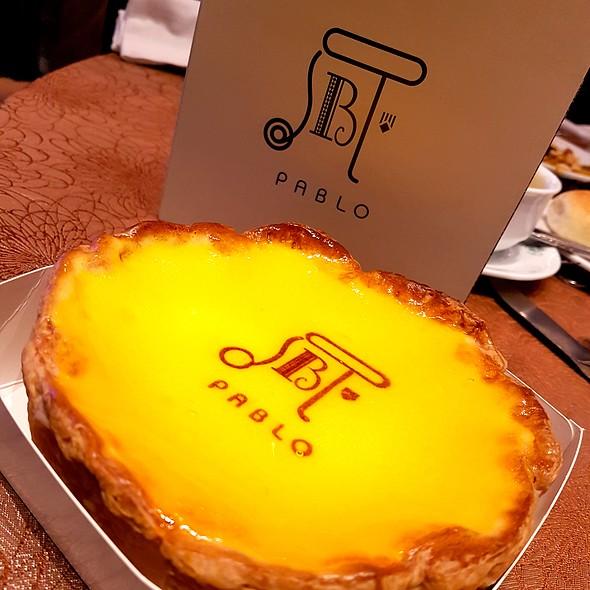 Freshly Baked Cheese Tart @ Pablo Cheesecake