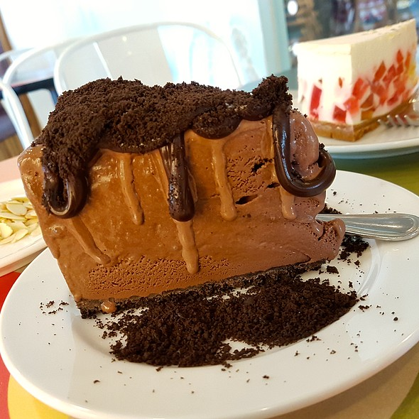 Chocolate Mud Pie @ Calea Pastries and Coffee