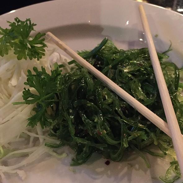 Seaweed salad @ Hanabi