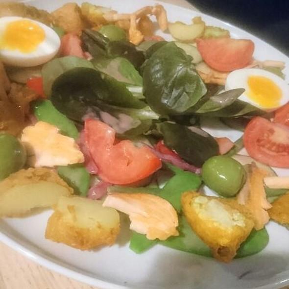 Tempura Nice Salad With Wild Salmon