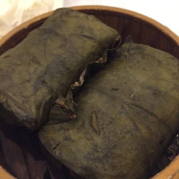 Steamed Rice with Lotus Leaf @ Li Wah