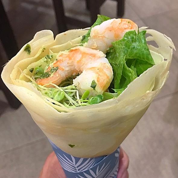 Shrimp Avocado Crepe @ Shirokiya Japan Village Walk