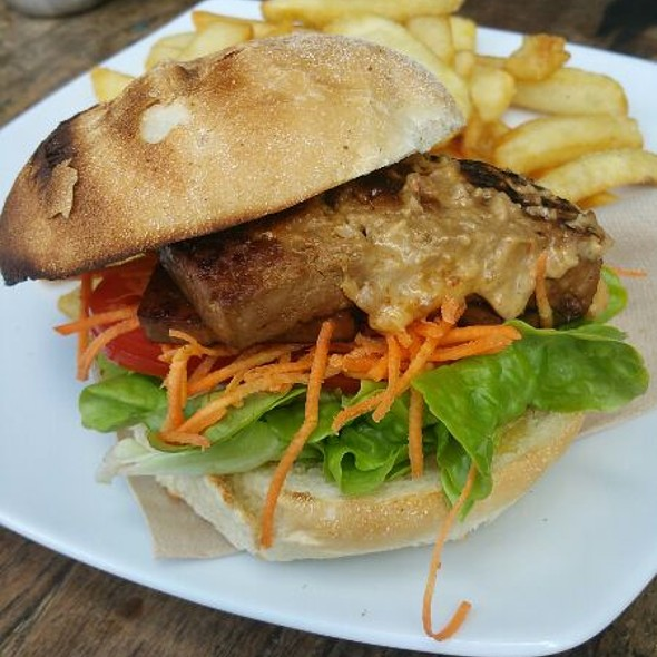 Satay Tofu Burger