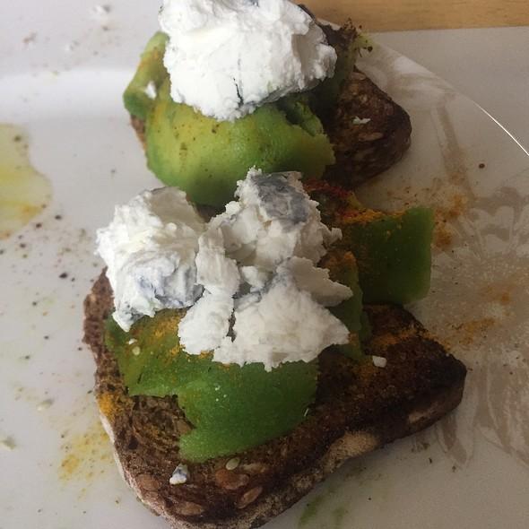 Sourdough Breakfast Toast @ Pelin Home