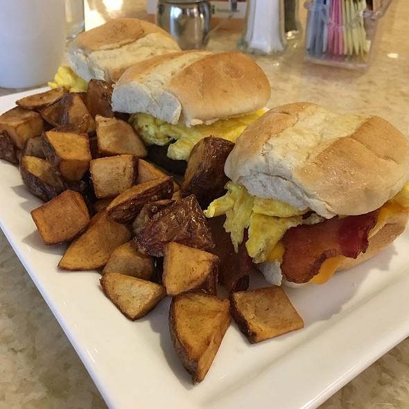 Breakfast Sliders @ Holiday Inn Hotel & Suites Albuquerque Airport