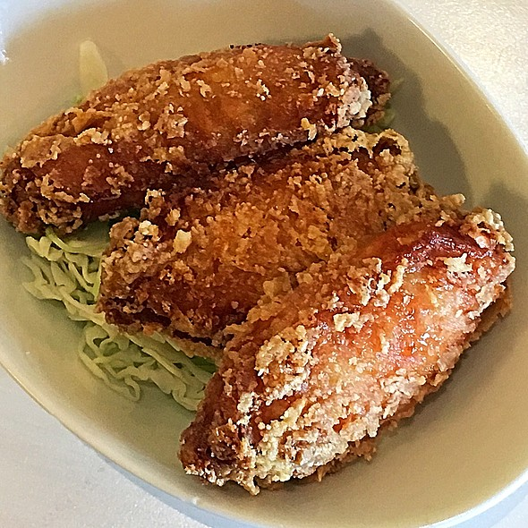 Fried Chicken Wings @ Sweet Home Cafe