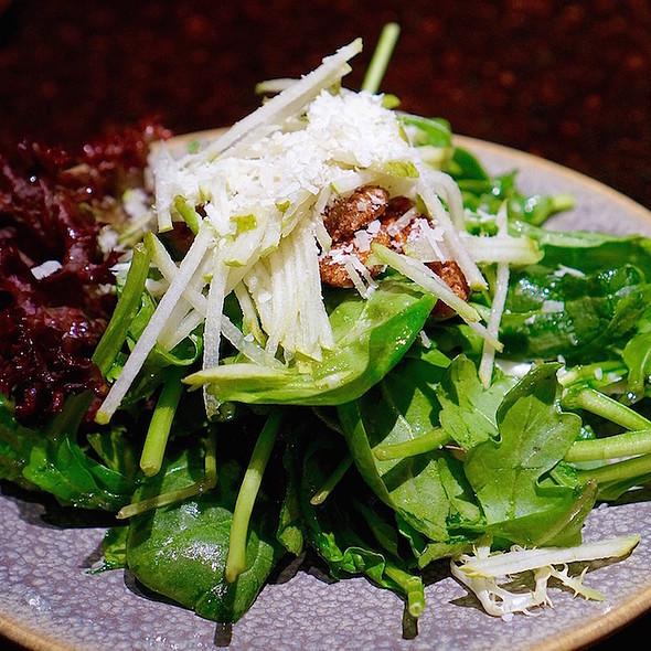 Herbs n Greens salad, parmesan, pear, candied pecans, hops n honey vinaigrette