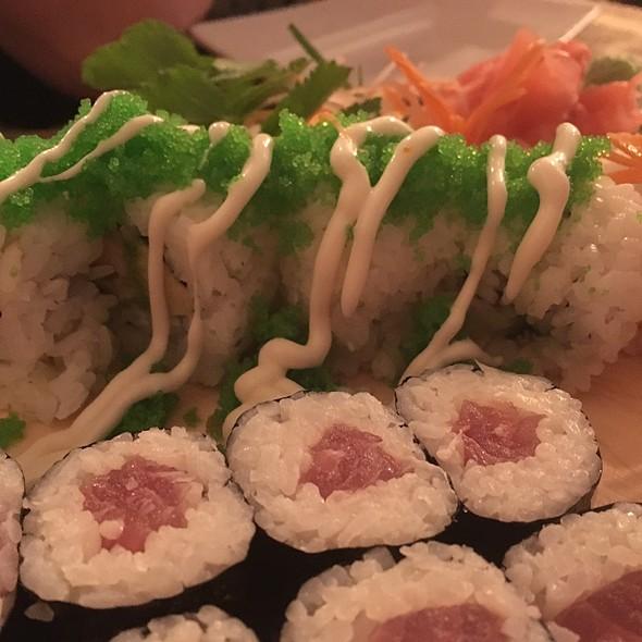 Tuna Maki & California Rolls