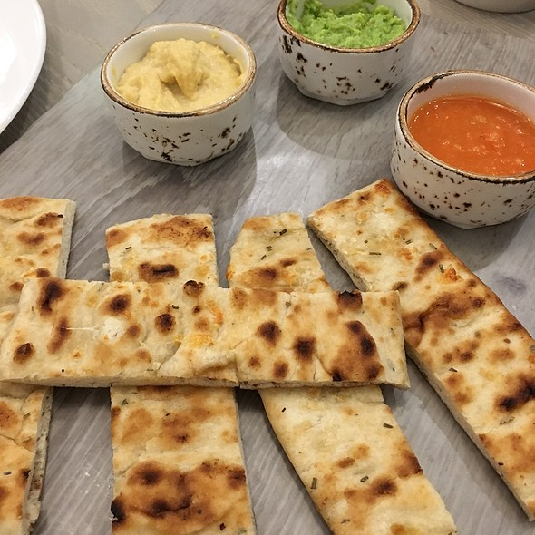 Grilled Flatbread @ Holiday Inn Express Manchester - East