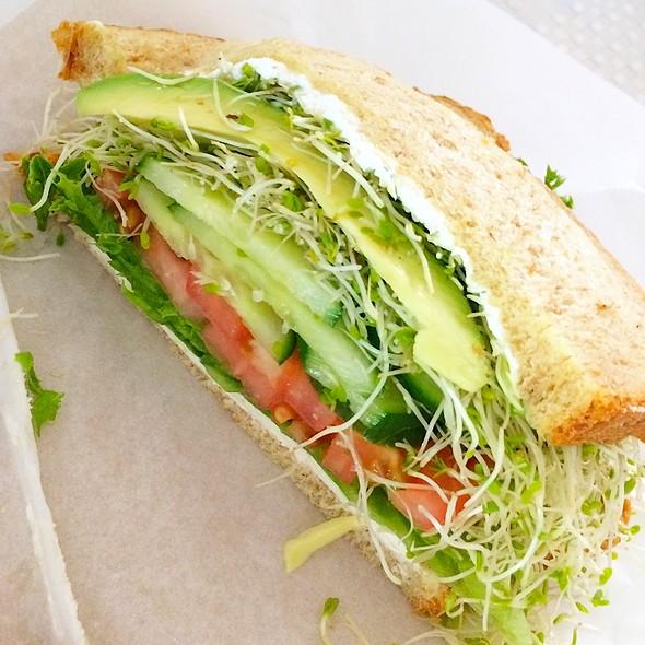 California Veggie Sandwich