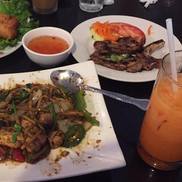 Lemongrass Chicken And Thai Iced Tea