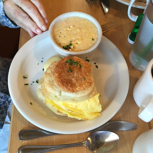 Egg Biscuit And Grits