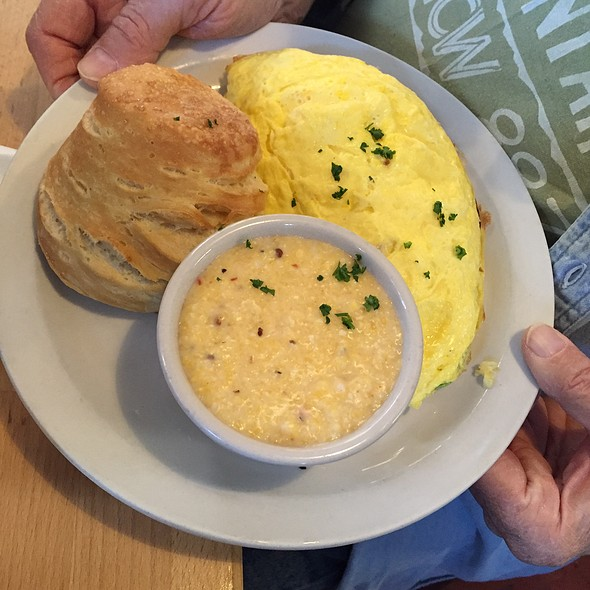 Omelette, Grits And Biscuit