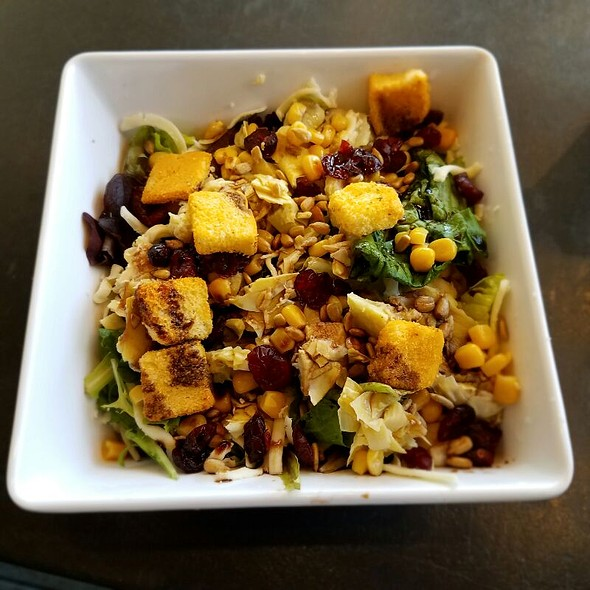 Custom Salad @ Pieology