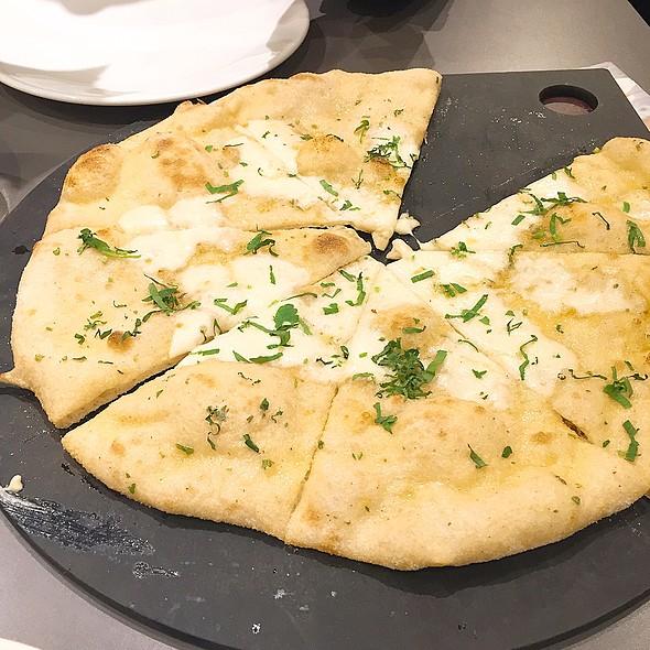 Garlic Bread W/Mozzarella