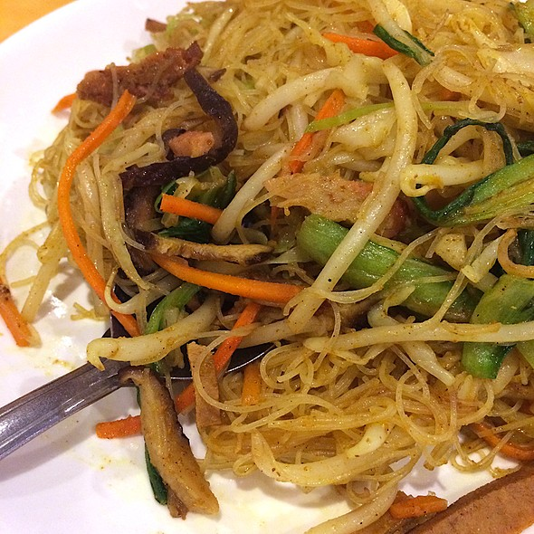 Singapore Style Chow Rice Vermicelli