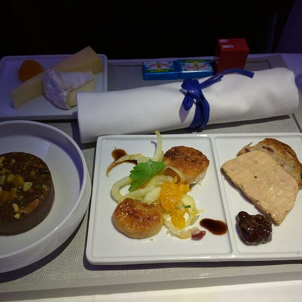 Duck Foie Gras, Pan Seared Scallops, With Fennel And Orange, With Chocolate Fig Compote @ Air France JFK To CDG